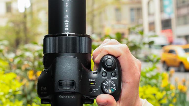 Máy ảnh kỹ thuật số Sony Cyber-shot DSC- HX300