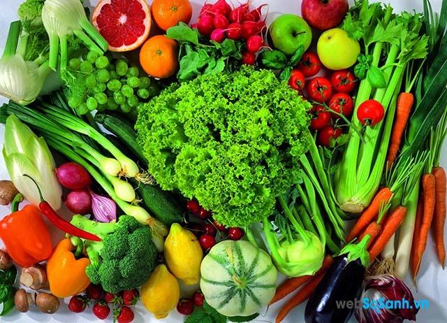 có ngăn rau củ rộng với tính năng cung cấp vitamin Pro5+